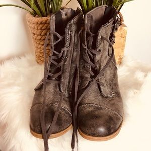 Roxy Lace up Boots